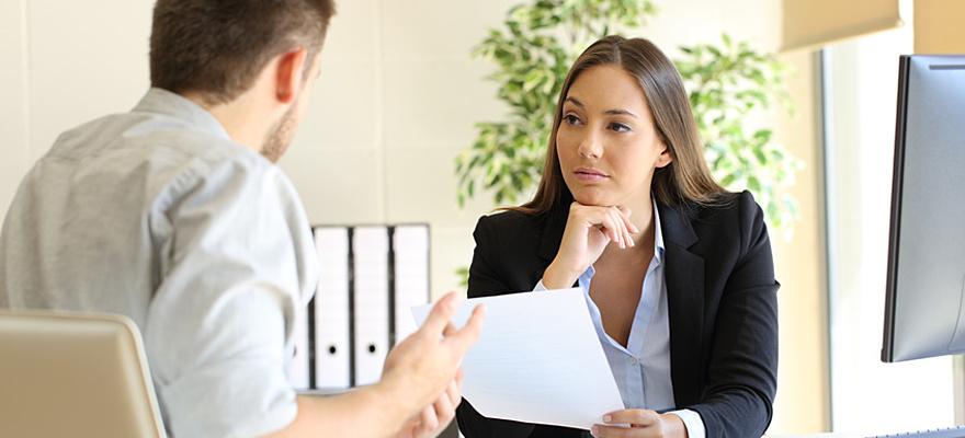 9 façons de compromettre vos chances en entretien d'embauche